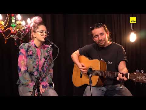 Be Charlotte - Machines that Breathe    FM4 Session 2017