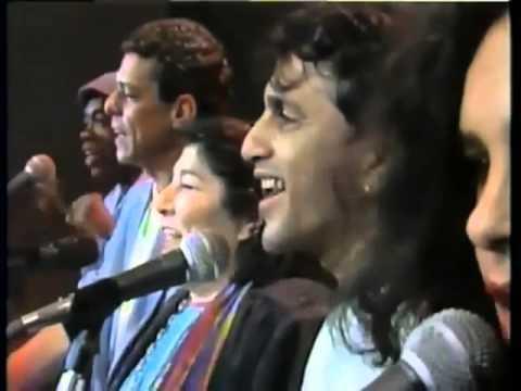 Mercedes Sosa, Chico Buarque, Caetano Veloso, Milton Nascimento e Gal Costa - Volver a los 17