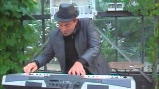 Bekijk video 5 van Jim the Piano Traveller op YouTube