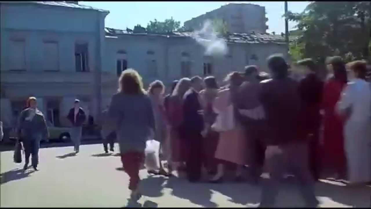 Километровая очередь в первый Макдональдс СССР, Москва, 1990