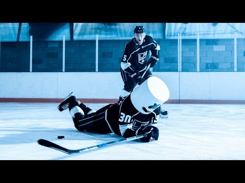 MARSHMELLO HITS THE ICE WITH THE LA KINGS!!