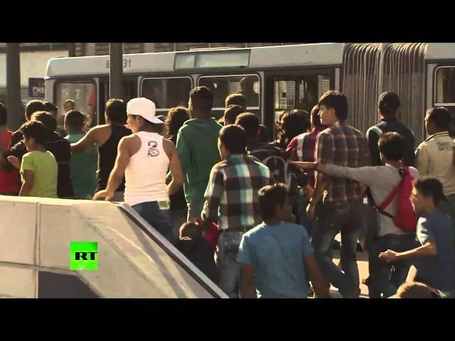 Футбольные фанаты устроили столкновения с беженцами в Будапеште