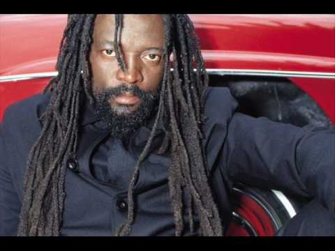 Baixar Lucky Dube - God Bless The Women