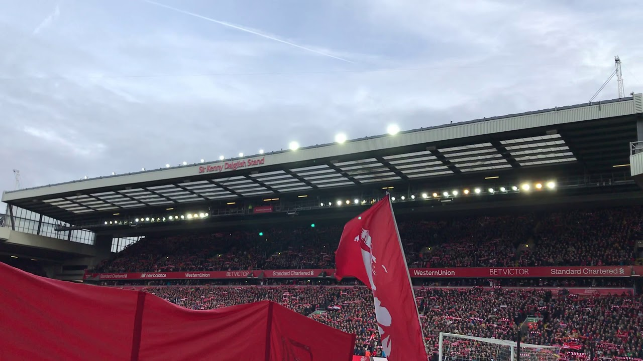Amazing atmosphere and YNWA at Anfield before Liverpool vs Man City