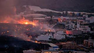 بركان جزيرة لابالما الإسبانية يواصل ثورانه وتدمير المنازل