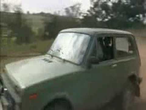 Die Ludolfs fahren einen Lada Niva zu Schrott