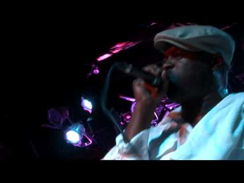 "Black Thought Performs ""Dear God 2.0"" at Brooklyn Bowl"