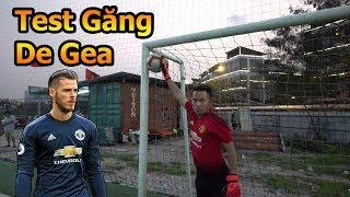Thử Thách Bóng Đá test găng tay thủ môn mới Đỗ Kim Phúc trổ tài bắt penalty như De Gea Việt Nam