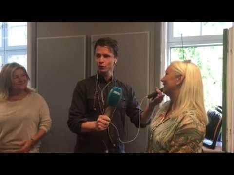 """""""Den siste nordmannen"""", May-Britt, i Nitimen på Sveriges nasjonaldag"""