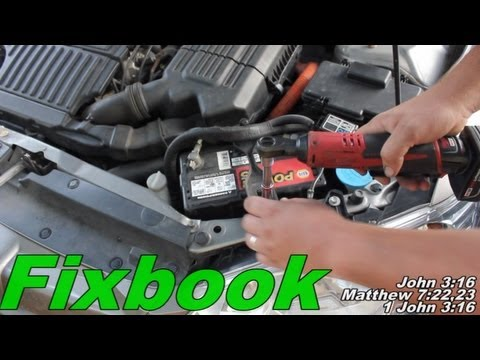accessory battery replacement how to honda civic hybrid youtube. Black Bedroom Furniture Sets. Home Design Ideas