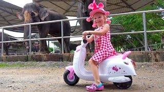 Crying baby by motorcycle Johny Johny Yes Papa Nursery Rhymes Songs for Babies and Toddlers