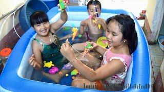 Câu cá đồ chơi trong phao bơi Fishing toys by Giai tri cho Be yeu