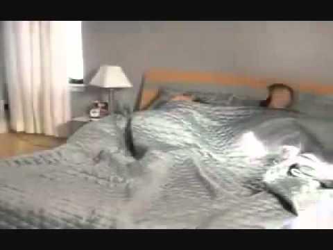 Jak obudzić (i przestraszyć) dziewczynę