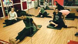 Pif Gym & Workout Studio Stretching