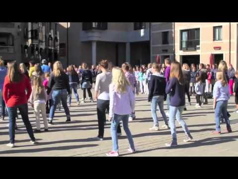 FOOTLOOSE Flashmob Contest - STUDIO ARTENDANCE