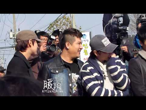 [HQ fancam] 121030 Leeteuk's Enlistment (Kyuhyun Sungmin Shindong focused)