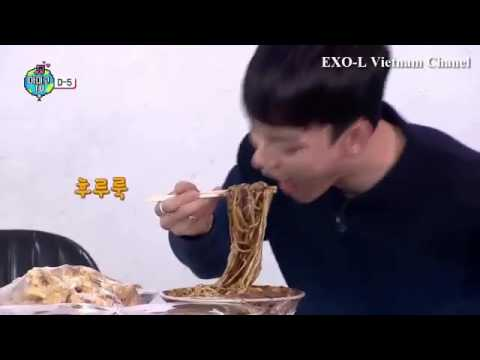 EXO EATING YUMMY