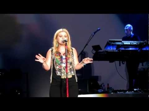Kelly Clarkson - Live In London 2012 [Stronger Tour - Full Show... Or Almost!!]