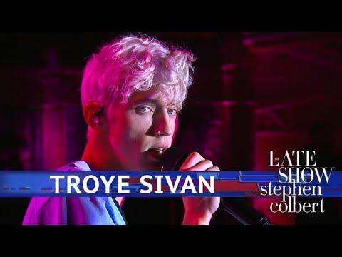 Troye Sivan Performs 'Plum'