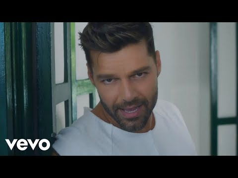 Ricky Martin - La Mordidita (Official Video) ft. Yotuel