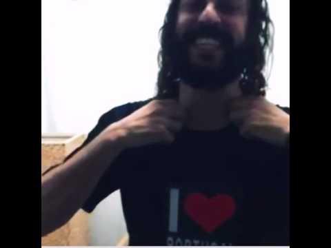 Gabriel Pensador com T-shirt LED A-MAZING