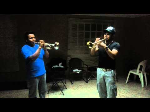 Rebelion intro a 2 trompetas