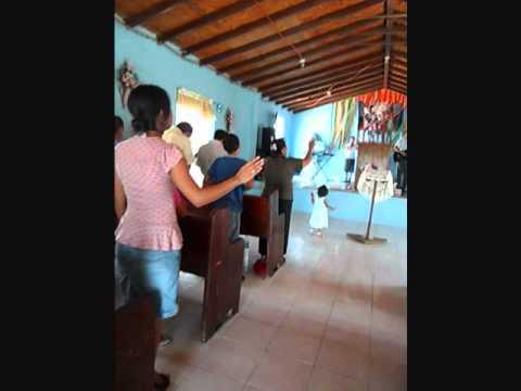 VIDEO DE UN TESTIMONIO DE LA PRESENCIA DE ANGELES EN UN SERVICIO.