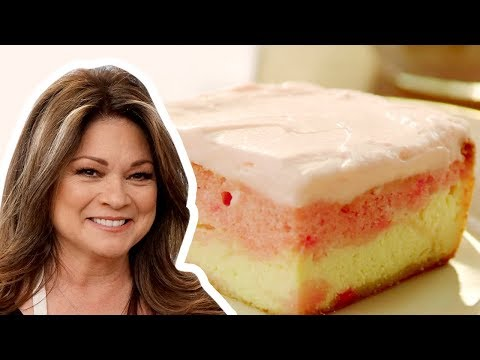 Valerie Bertinelli Makes a Strawberry Love Cake | Food Network