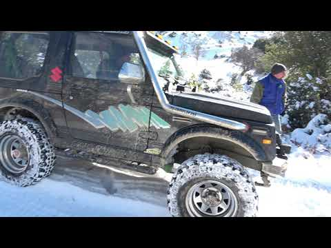SUZUKI SAMURAI in the snow