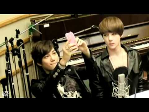 120514 Exo Kai & Sehun singing dancing to Sistar