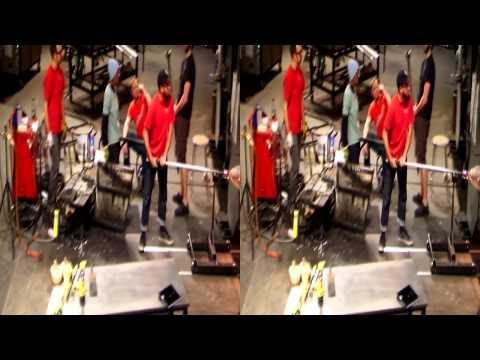 Glass Artist Nancy Callan at Work in the Hot Shop - 3D Video