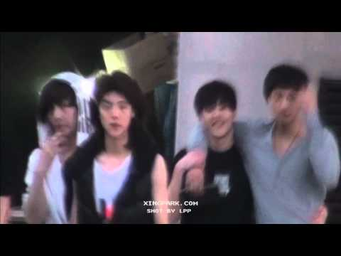 110525 Predebut Luhan Lay Kris Tao Xiumin @ near SM, crossing the road Fancam [xingpark]