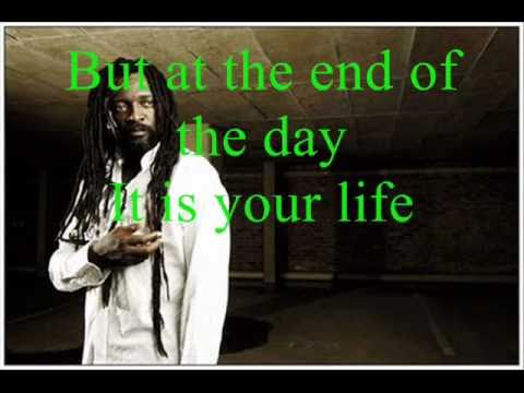 Baixar Lucky Dube Good Things (with lyrics)