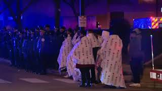 Procession held for Chicago officers hit by train