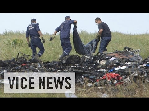 Searching Through the Debris of Flight MH17: Russian Roulette (Dispatch 61) - VICE News  - lNXf_HncM20 -
