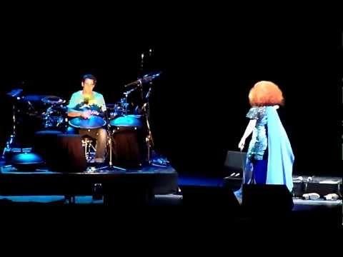 Björk   Nîmes   2012 06 27   One Day