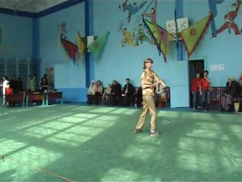 Выступление - кулак - Устинова Таня.avi