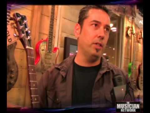 TMNTV - NAMM 2008 - James Trussart Guitars