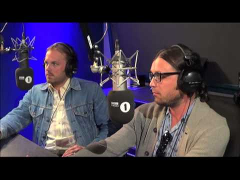 Baixar Kings Of Leon speak to Zane Lowe & play new single 'Supersoaker'