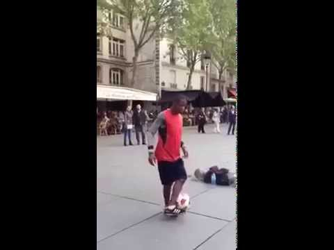 Baixar Abou Traore - Street Show Paris ( Chris Brown- Don't Wake Me Up )