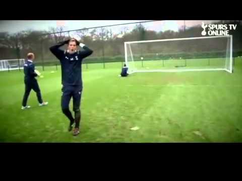 VIDEO: Xem Bale bắt gôn thế này De Gea cũng phải gật gù