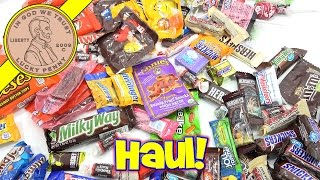 Halloween 2016 Candy Haul, Trick Or Treat! Snickers, Reese's, Popcorn, Water!