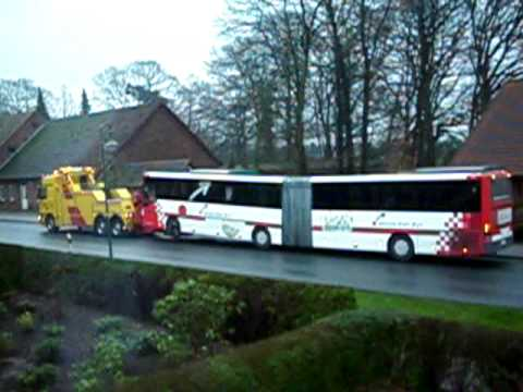Bus Abschleppen.AVI