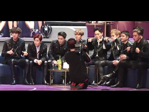 [HD] 161202 EXO Reaction to TWICE Stage (Cute Fanboys!) in MAMA HK