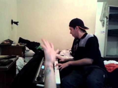 El guachoon toca el teclado