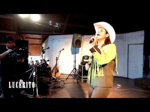 VIDEO OFICIAL - LUPITA AGUILAR- EN VIVO - MIX TROPICAL - UN CARIÑO COMO TU - LUCERITO