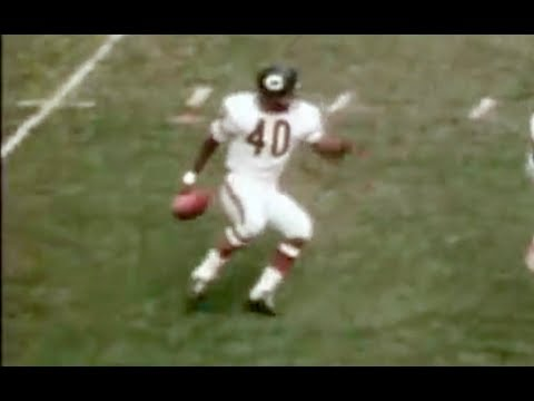 Gale Sayers - Hall of Famer