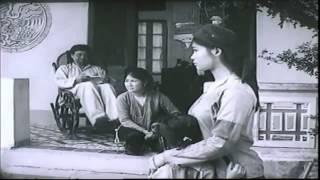 Trích đoạn phim Chị Dậu 1981- Bán con cho nhà nghị Quế 3 - ăn cơm chó