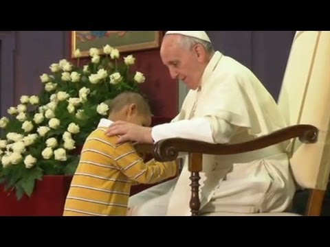 Little boy steals the show from the Pope