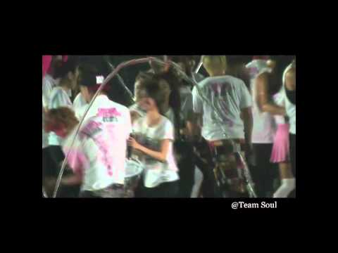 exoyoong moment#10: Yoona, Sehun and Luhan's water fight
